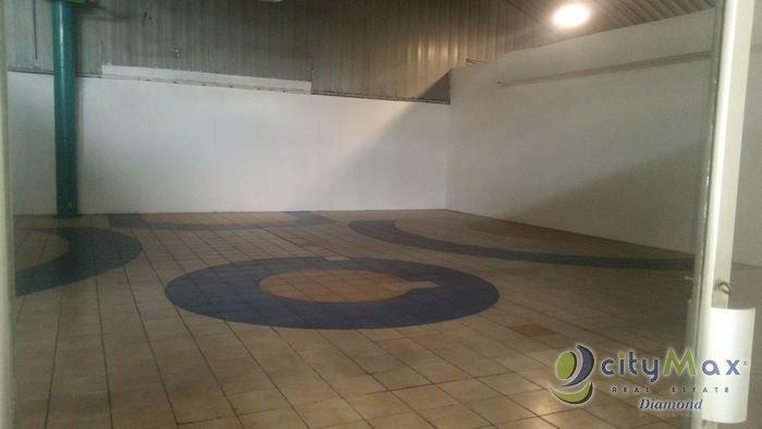 RENTA LOCAL COMERCIAL Centro Comercial zona 7