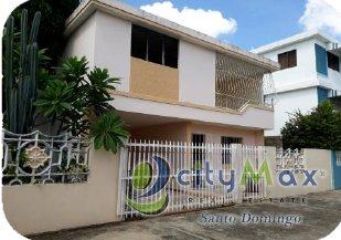 CityMax Vende Amplia Casa de 2 nivele en Alma Rosa 1ra.