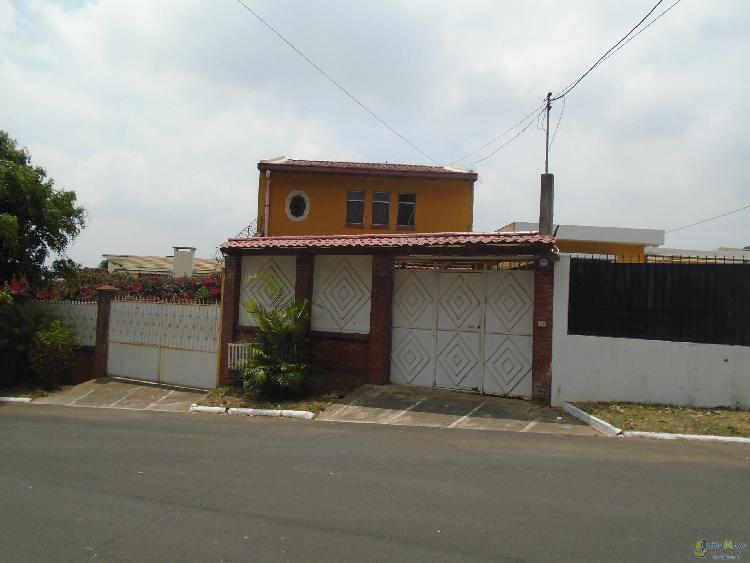 CASA EN VENTA EN PINARES DE SAN CRISTOBAL