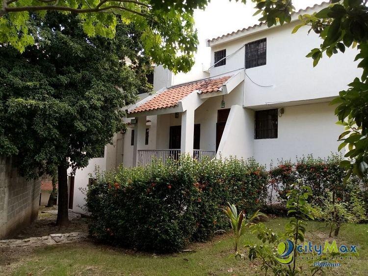 SE VENDE casa 6Hab/5Banos en Villa Marina Sto Dgo