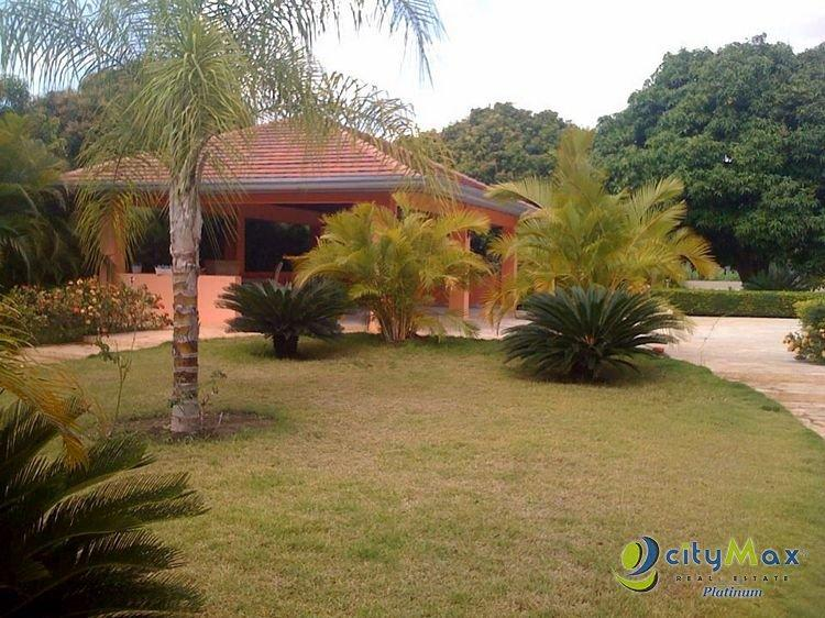 CityMax Platinum Vende Finca en Villa Sombrero Bani.