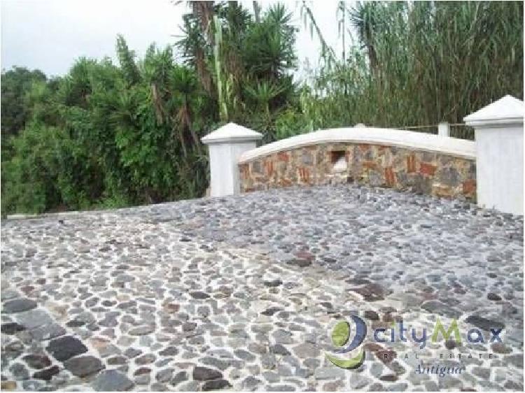 CityMax Antigua vende lote en Hacienda del Comendador