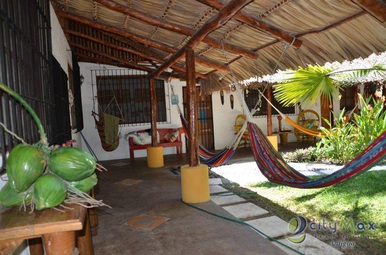 Precioso Bungalow con piscina en renta, Monterrico