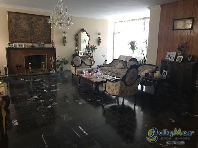 Casa en renta o venta sobre la Simeon Cañas zona 2