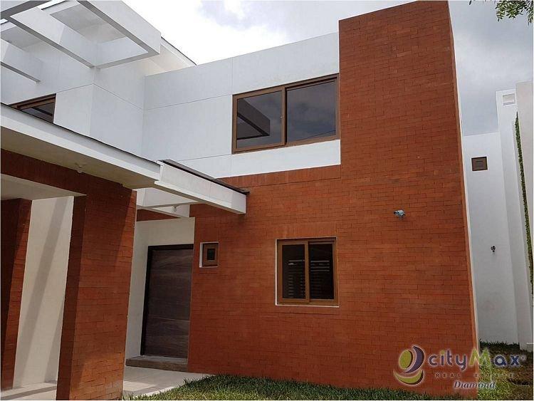 Casa en venta en Zona 16 en Exclusivo Condominio