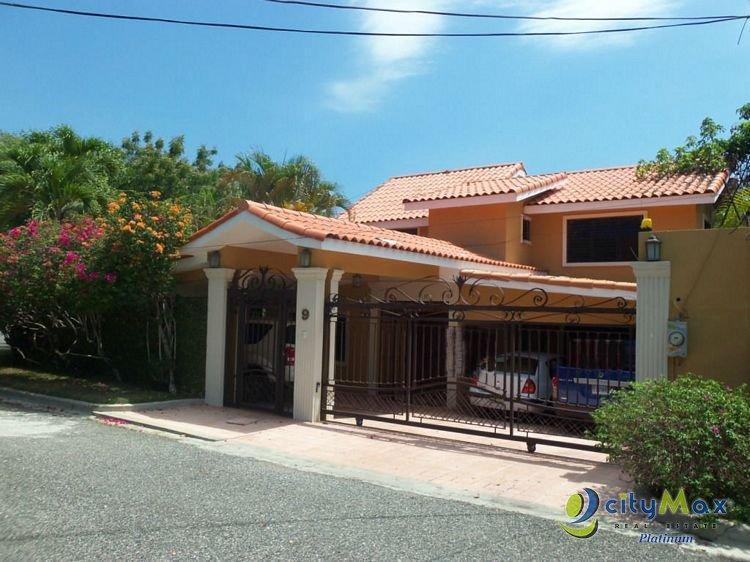 Vendo Casa Amueblada en Altos Arroyo Hondo III