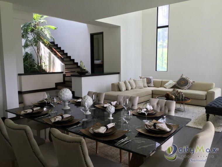 Preciosa Casa en venta en Carretera a Piedra Parada