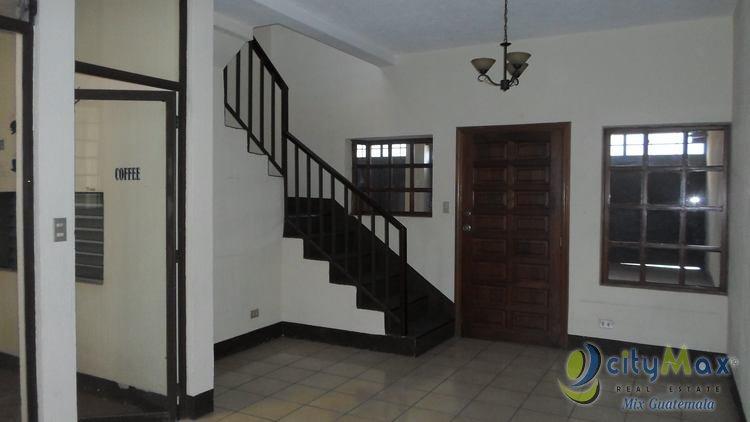 VENDO Casa para Uso Comercial u Oficina en Zona 12