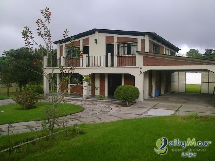 Casa Grande en Venta. San Lucas . Citymax Antigua