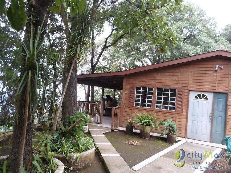 Casa con Potencial para uso Comercial en Venta Mixco