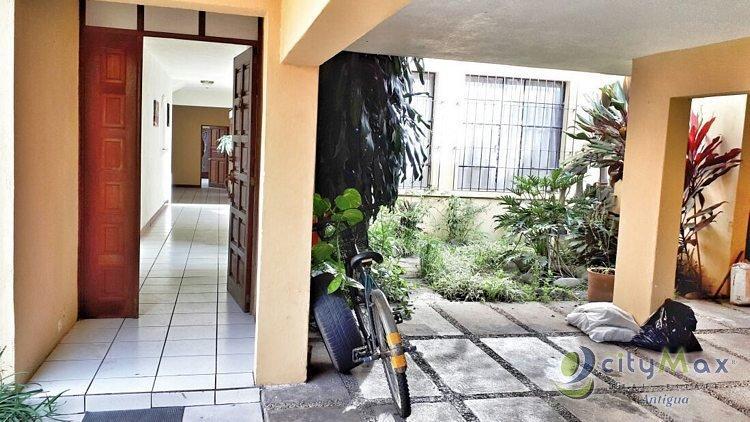 Citymax vende y renta casa grande en VILLASOL  Z.12