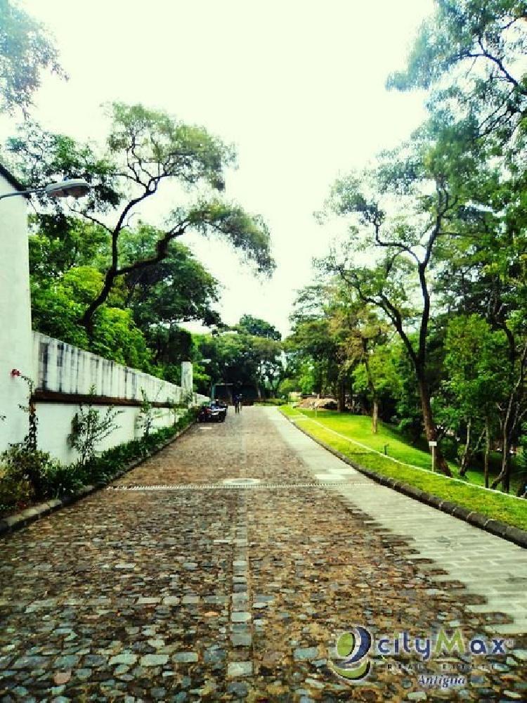 ¡Citymax vende terreno exclusivo en Antigua Guatemala!