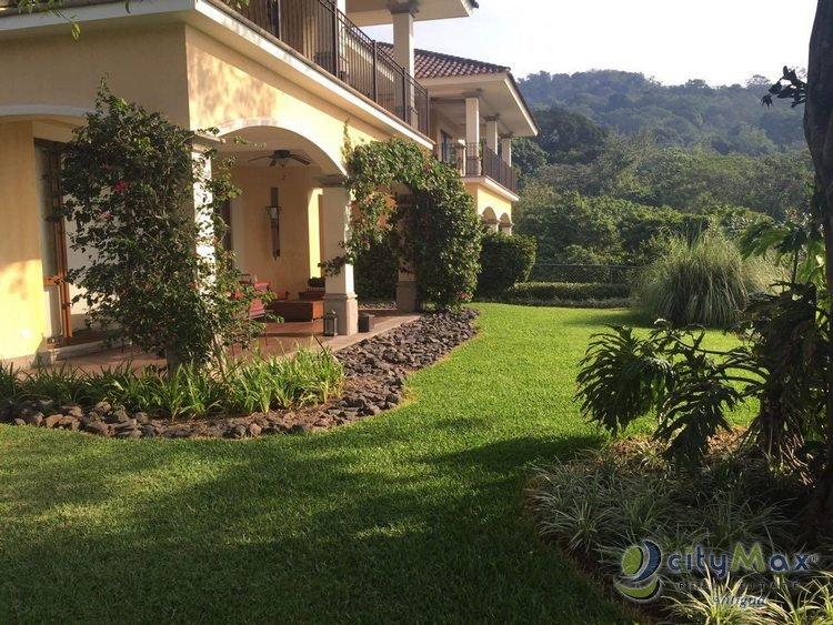 Villas en Venta en la Reunion Golf Resort