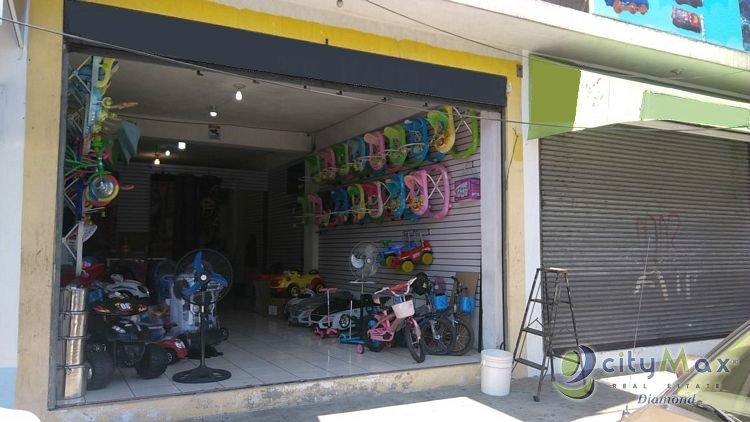 Local en renta en Zona 3 Sobre Avenida Elena