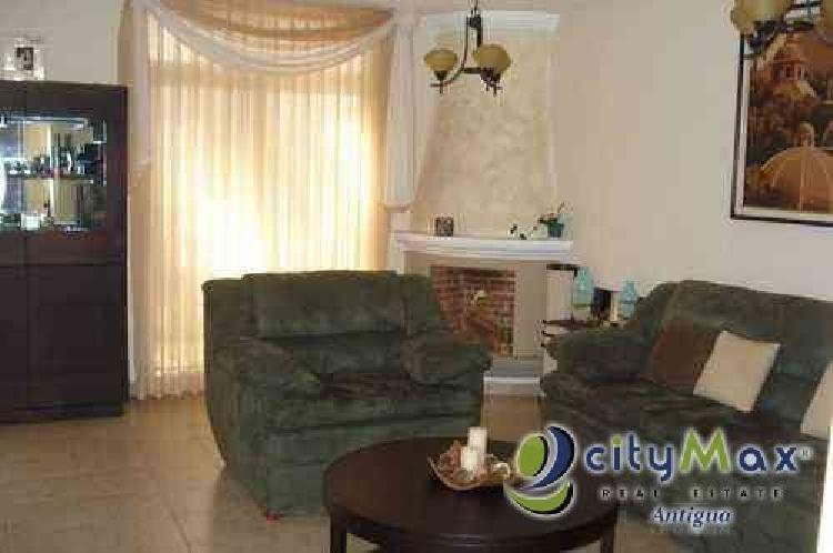 ¡CityMax vende casa en condominio en San Lucas!