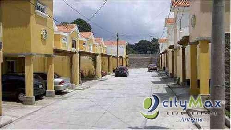 ¡CityMax Antigua vende casa en condominio en San Lucas!