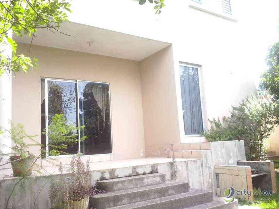 !Citymax vende casa en Pinares de San Cristobal!