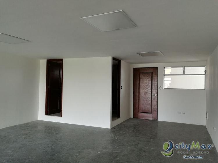 Se renta oficina totalmente remodelada en zona 9