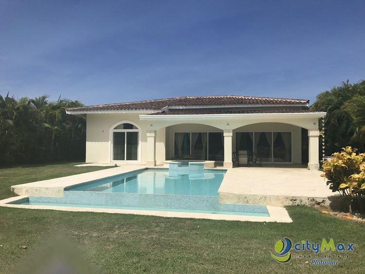En venta villa  de 3 hab/5B en Cocotal Golf - Bavaro