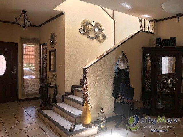 Linda casa con ampliaciones en San Cristobal