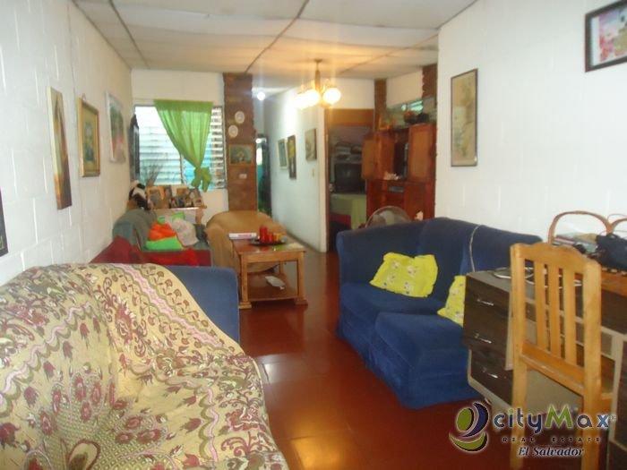 Casa en VENTA a una cuadra de Plaza Merliot de 1 Nivel