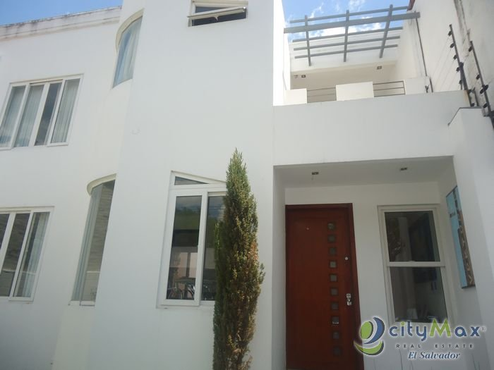 Citymax vende y renta hermosa casa en Madreselva