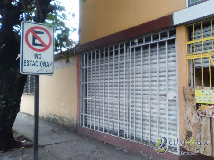 En Renta Local de Esquina en Bulevar Jardines Zona 5