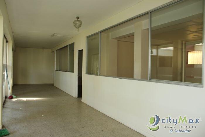 Alquilo casa GRANDE para oficinas en Colonia Escalon