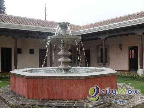 OFICINA. Rento en Antigua