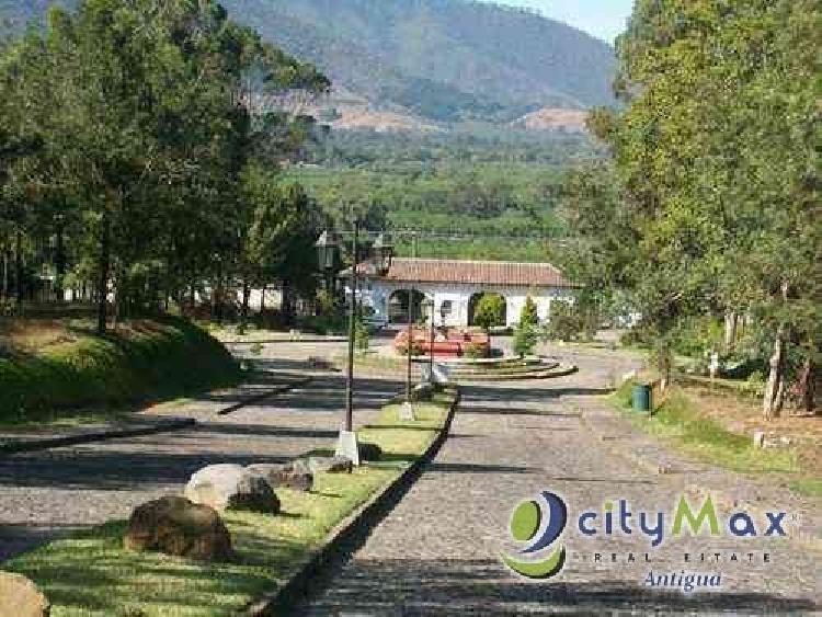 Terreno vendo en Santa Delfina, en Antigua. Citymax Ant
