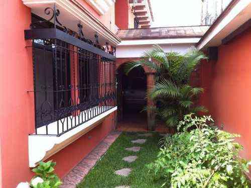 VENDO CASA ZONA 12 EXCELENTE UBICACION EN GUATEMALA