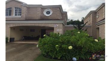 Casa en Venta en Carretera a El Salvador en Residencial
