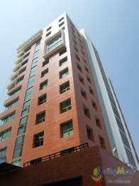 Alquilo Oficina con 83.59m2 en Zona 4 PAO-023-08-10-17