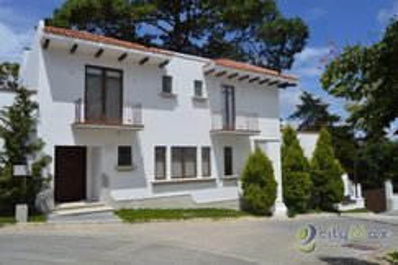Casa en venta en La Española Muxbal.