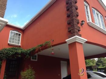 Casa en Venta en Residencial, en Santiago Sacatepequez