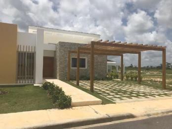 VENDO Casa en Bavaro 2 habitaciones + Hab Servicio