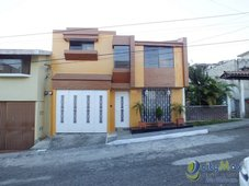 Casa grande en Lomas del Sur Villa Nueva