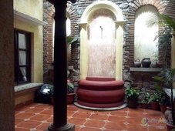 Renta de casa amueblada en Antigua dentro residencial