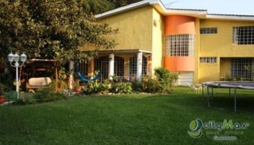 Preciosa Casa en Carrete al Salvador. CITYMAX GUATEMLA