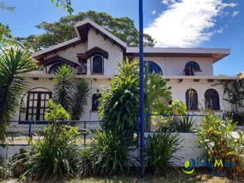 Se alquila Casa en Urbanización Miravalles de Santa Ana