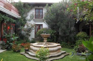Casa en venta en condominio Las Jacarandas de Antigua