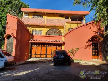 Casa AMPLIA en venta Bosques de Santa Teresa