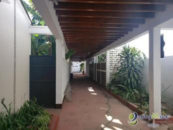 Casa en renta Antigua Guatemala, área caminable parque