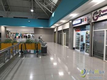 3 Locales en Centro Comercial reconocido de VillaNueva