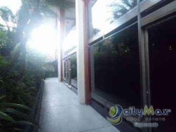 Alquilo Local con 75.00m2 en Zona 9 PAO-030-09-12-1
