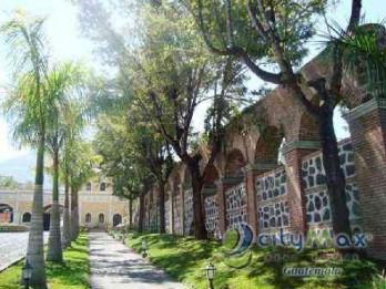 Hermoso terreno en venta en Antigua Gardens