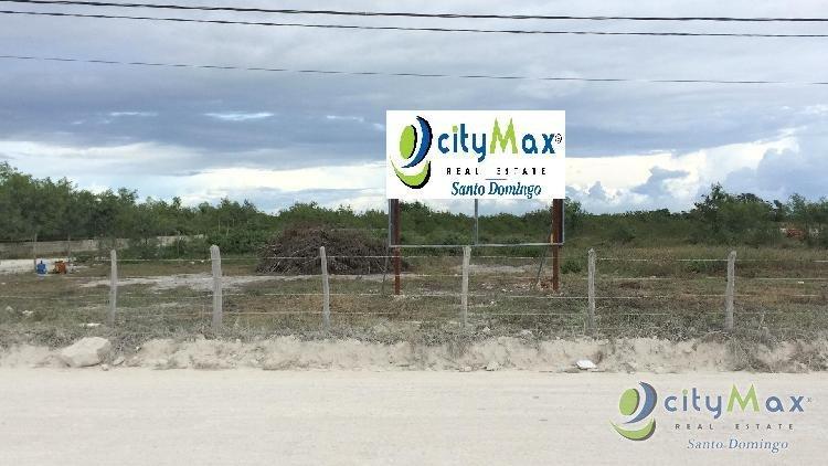 Solar en venta con 10,006 mts en Higuey La Altagracia