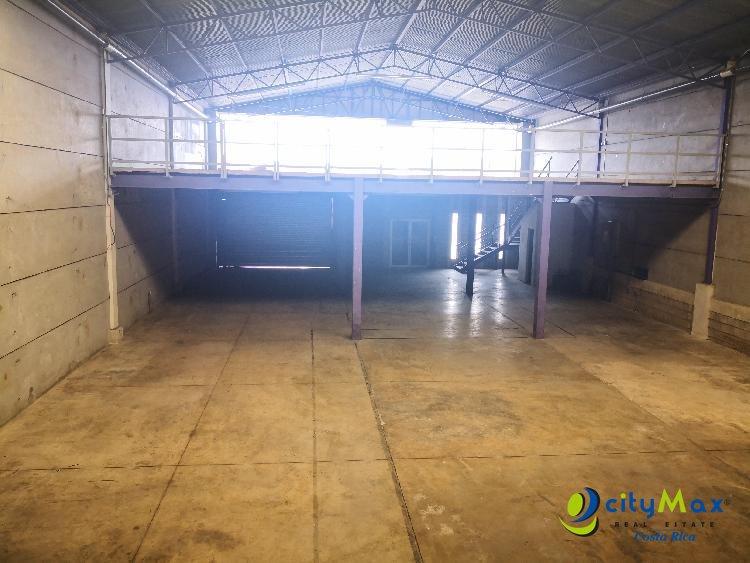 Bodega en alquiler o venta en condominio en Guachipelín