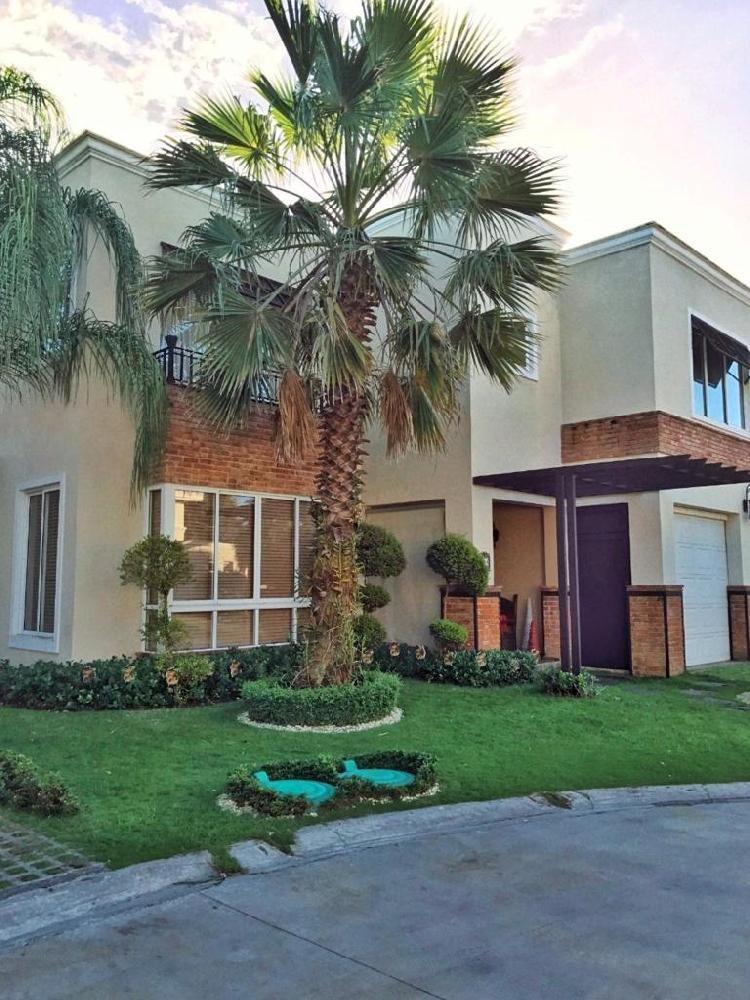 VENTA y RENTA Casa!! de 497 Mts2 en Arroyo Hondo