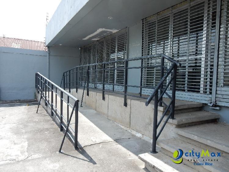 Se Renta Edificio Comercial en Alajuela por Calle Ancha